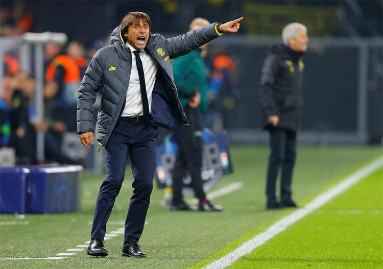 Conte khởi đầu Ngoại hạng Anh tốt hơn nhiều so với những HLV danh tiếng. Ảnh: Reuters