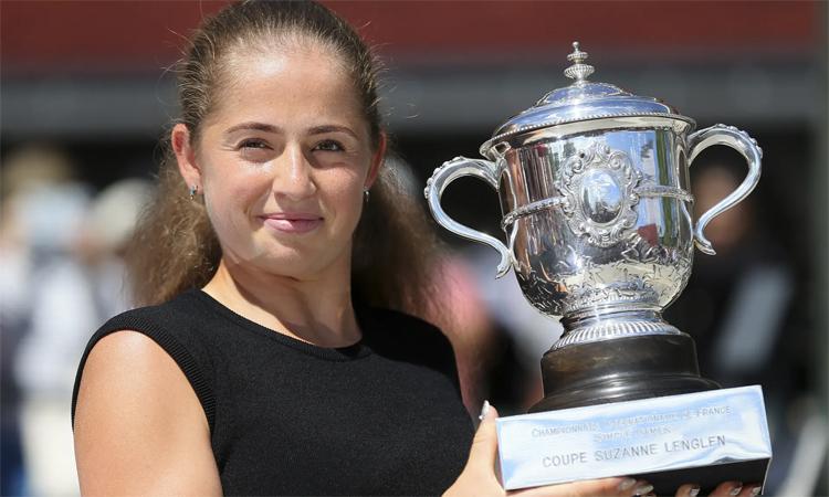 Trước Kenin, Ostapenko là nhà vô địch trẻ gần nhất lên ngôi tại một Grand Slam, với chiến thắng ở Roland Garros 2017. Ảnh: AP.