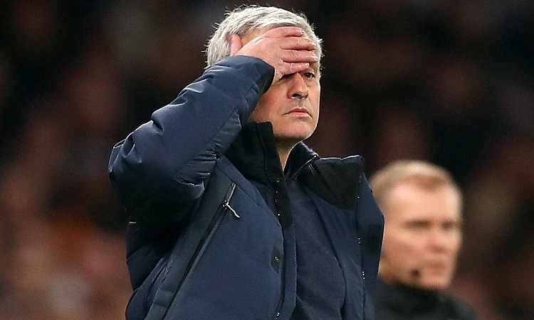 Mourinho không có thiện cảm với VAR. Ảnh: Reuters.
