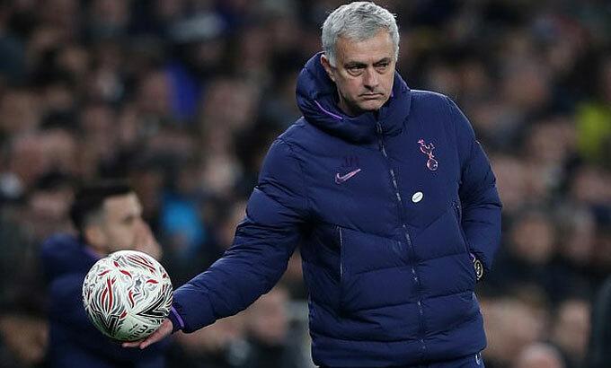 Mourinho thừa nhận may mắn trước Southampton. Ảnh: Reuters.