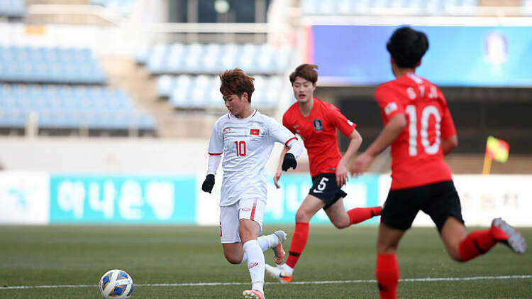 Việt Nam không sử dụng đội hình mạnh nhất trong trận thua 0-3 trước Hàn Quốc chiều 9/2. Ảnh: AFC.