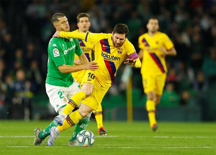 Betis không thể ngăn Messi kiến tạo làm nên chiến thắng cho Barca.