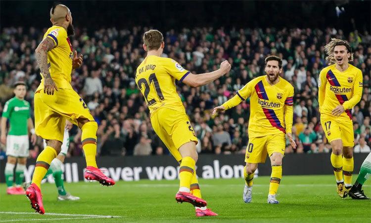Ngay cả khi không ghi bàn, Messi vẫn luôn có đóng góp quan trọng. Ảnh: AP.