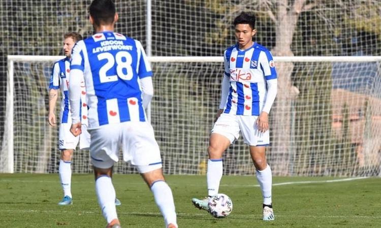 Văn Hậu đá chính cho Jong Heerenveen trận thứ hai liên tiếp.