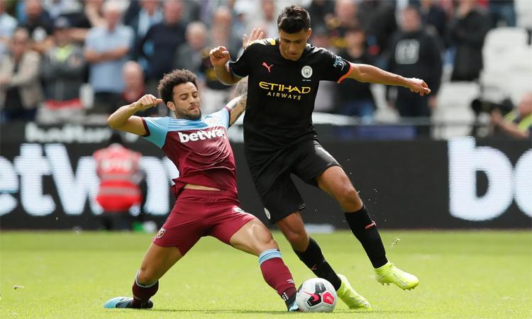Ở lượt đi Ngoại hạng Anh mùa này, Man City hạ West Ham 5-0 ngay trên sân khách. Ảnh: Reuters.