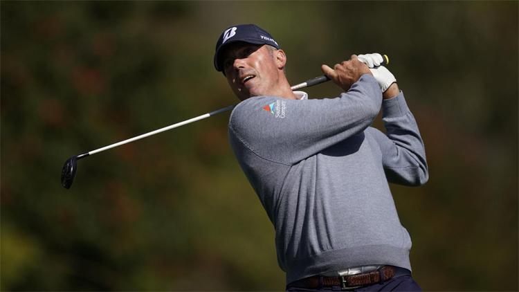 Kuchar phát bóng ở hố bốn hôm 13/2. Ở tuổi 41, ông đang sở hữu chín cúp PGA Tour với tổng cộng hơn 50 triệu tiền thưởng giải trong 20 năm thi đấu chuyên nghiệp. Ảnh: AP.