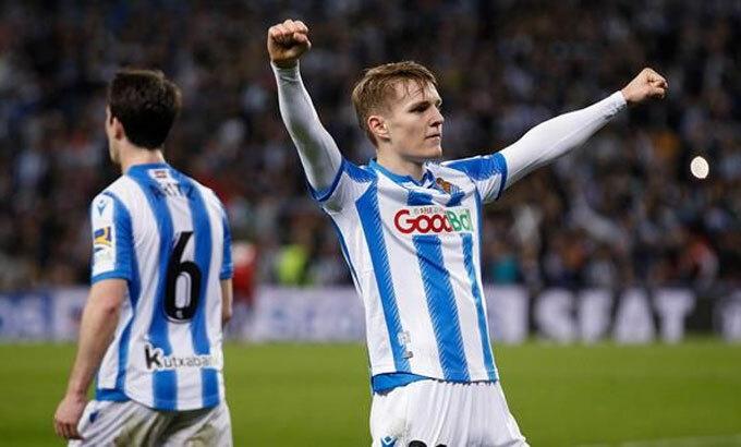 Odegaard một lần nữa tỏa sáng trong màu áo Sociedad. Ảnh: Reuters.