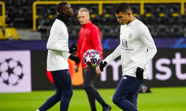 Thiago Silva trong buổi tập trên sân Westfallen hôm 17/2. Ảnh: PSG.