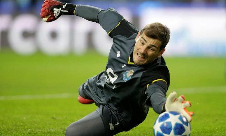 Casillas là một tượng đài của bóng đá thế giới. Ảnh: Reuters.
