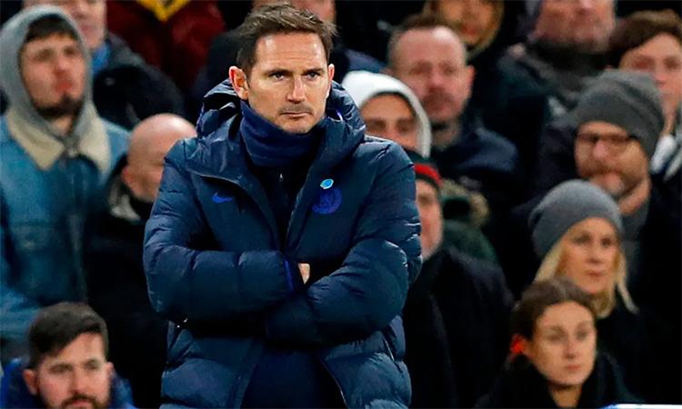 Lampard bức xúc với công tác trọng tài trong trận thua của đội nhà trước Man Utd. Ảnh: AFP.