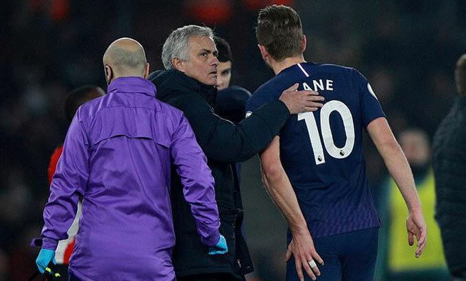 Mourinho mất Kane ít nhất đến tháng 4.
