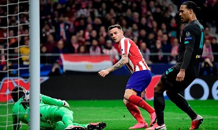Saul tận dụng thời cơ để đánh bại hàng thủ chắc chắn của Liverpool và ghi bàn thắng quyết định trận đấu. Ảnh: AFP.