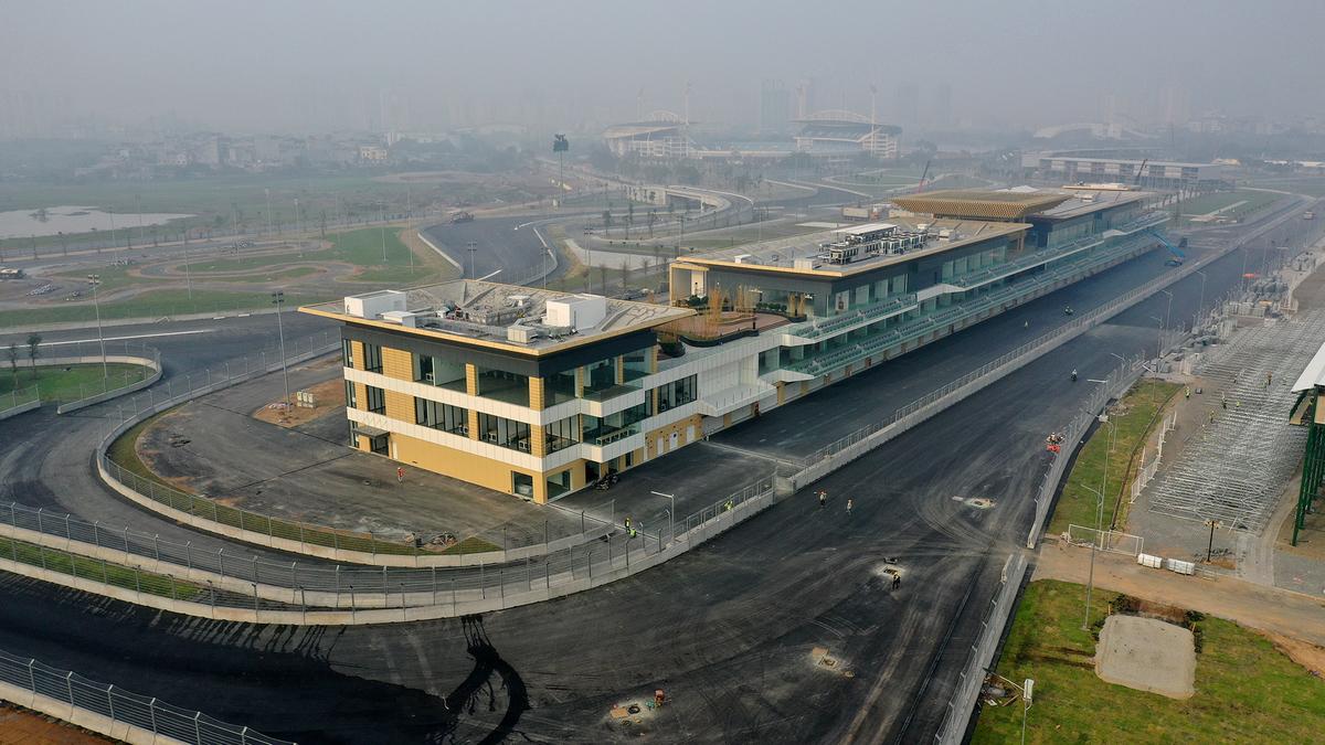 Đường đua F1 Hà Nội một tháng trước khi bàn giao