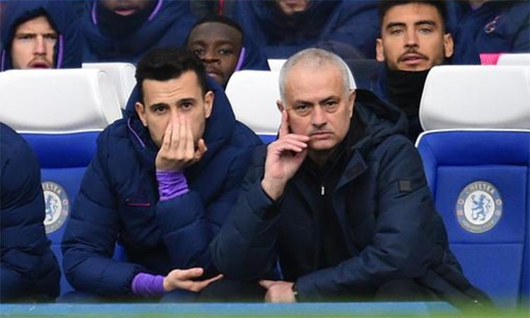 Mourinho thua Lampard trong cả hai lần chạm trán tại Ngoại hạng Anh mùa này.