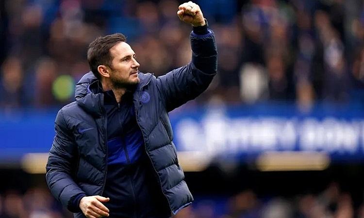 Lampard lần thứ hai đánh bại Mourinho trong mùa giải này. Ảnh: PA.