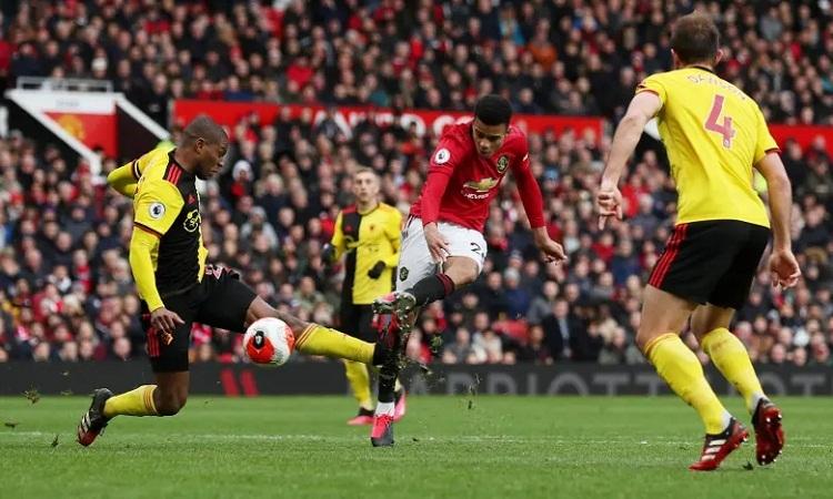 Greenwood ấn định chiến thắng 3-0 cho Man Utd với một cú sút quyết đoán. Ảnh; Reuters.
