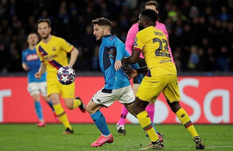 Mertens tỏa sáng trong hiệp một, nhưng sớm rời sân ở hiệp hai vì chấn thương. Ảnh: Reuters.
