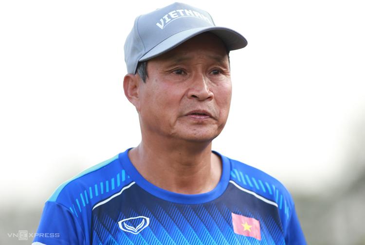 HLV Mai Đức Chung: Việt Nam sẽ tử thủ trước Australia - ảnh 1