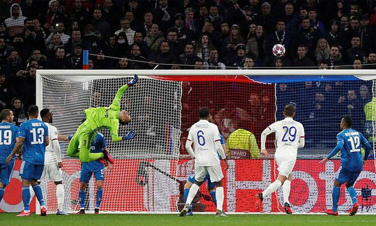 Szczesny: Thật may vì Juventus chỉ thua Lyon 0-1 - ảnh 1