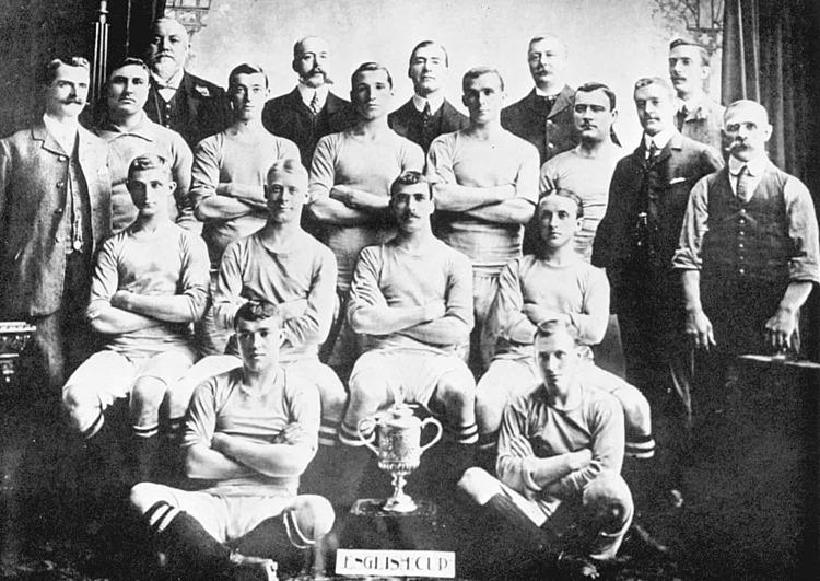 Đội hình Man City vô địch cúp FA năm 1904. Ảnh: PA.