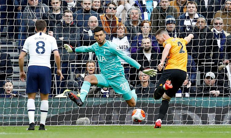 Doherty gỡ hoà 1-1 cho Wolves ở giữa hiệp một. Ảnh: Reuters.