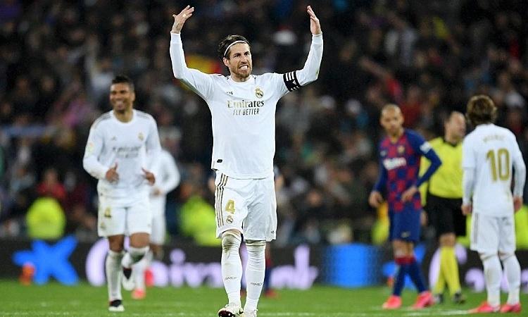 Ramos khẳng định Real sẵn sàng đá tệ như lời Pique để chiến thắng. Ảnh: AS.