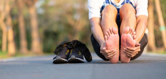 Tại sao gan bàn chân đau khi chạy bộ
