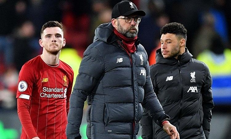 Klopp cho rằng cầu thủ Liverpool phải tự thương lấy mình sau những thất bại liên tiếp thời gian gần đây. Ảnh: Reuters.