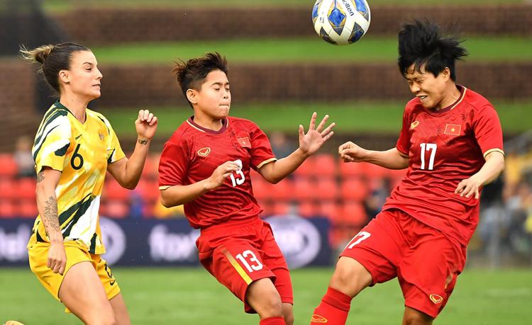 Việt Nam để thua 0-5 khi tới Australia đá lượt đi play-off ngày 6/3.