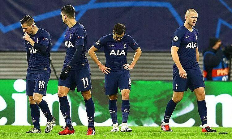 Cầu thủ Tottenham đánh mất tự tin. Ảnh: REX.
