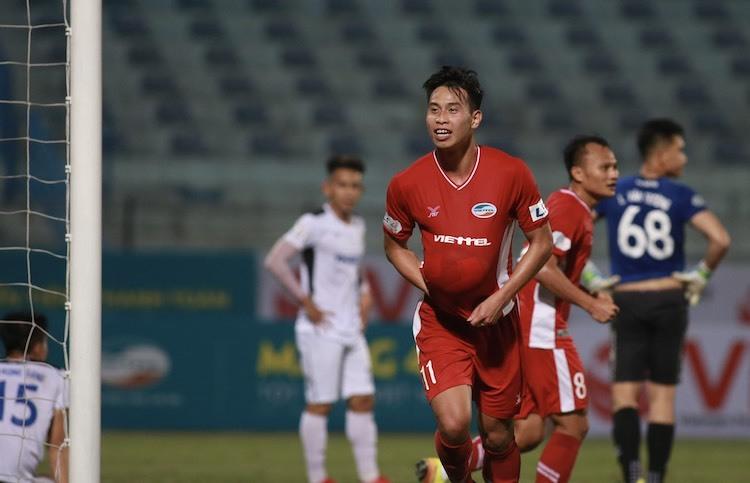Việt Phong tiếp tục thể hiện duyên ghi bàn cho Viettel. Ảnh: Lâm Thoả.