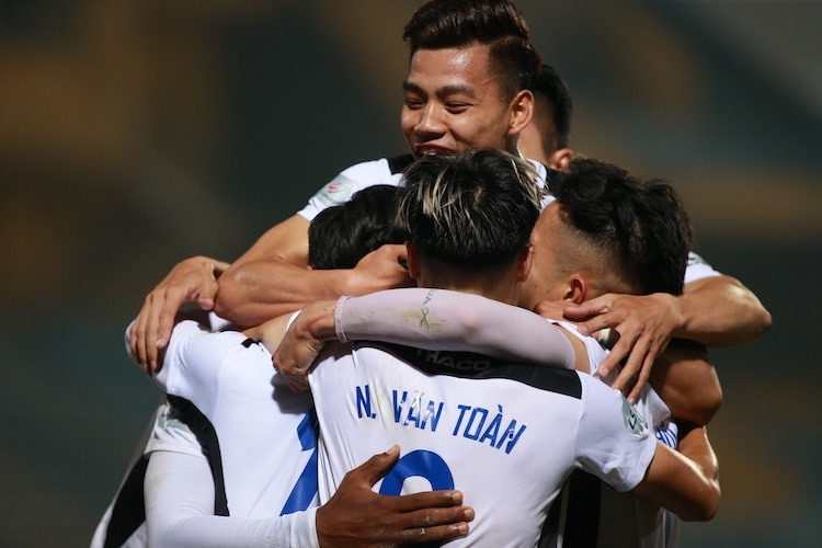 Viettel 0-2 HAGL (hết hiệp 1): Việt Hưng nhân đôi cách biệt - ảnh 1