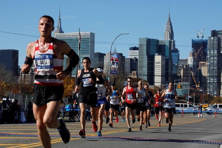 Thay vì tham gia các giải chạy bộ truyền thống, giới yêu thích môn thể thao chạy bộ đang dần chuyển các giải đấu chạy ảo vì nhiều lợi ích mà nó mang lại. Ảnh: Getty.