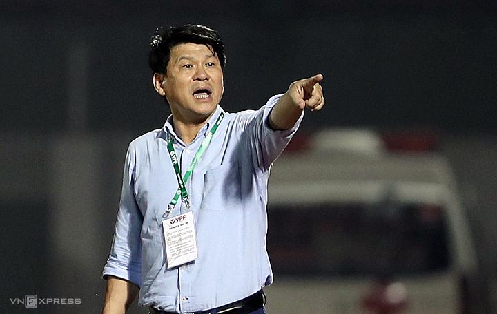 Ông Vũ Tiến Thành vừa là chủ tịch kiêm HLV trưởng Sài Gòn FC. Ảnh: Đức Đồng.