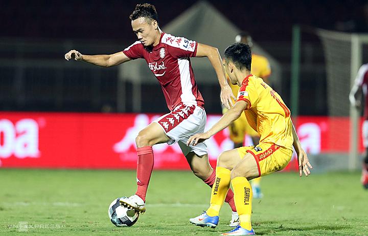 Sau nhiều năm vật lộn với chấn thương và thi đấu ở hạng dưới, Xuân Nam trở lại mạnh mẽ với sân cỏ V-League 2020 qua hai vòng. Ảnh: Đức Đồng.