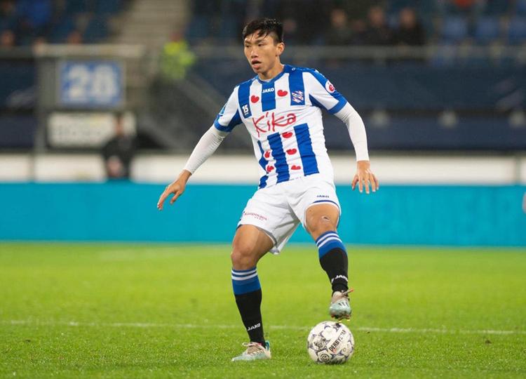 Đoàn Văn Hậu vẫn đang chờ cơ hội được ra mắt tại giải vô địch quốc gia Hà Lan.