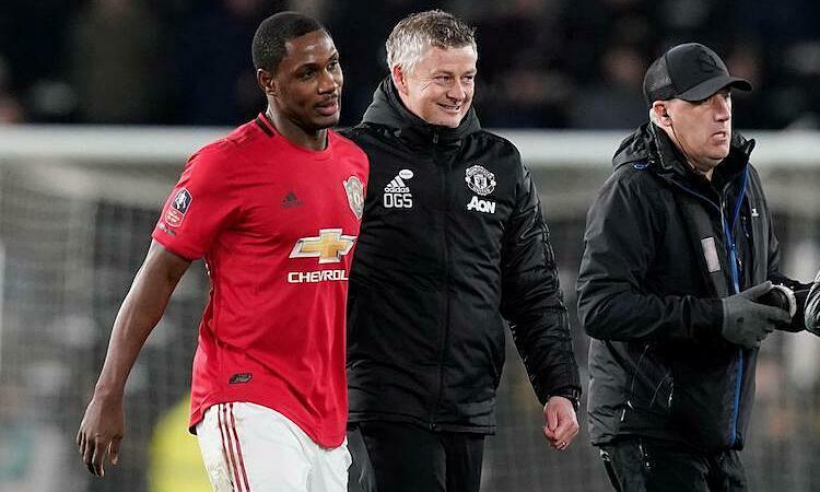 Ighalo sáng cửa ở lại Man Utd nhờ nỗ lực của bản thân. Ảnh: Reuters.