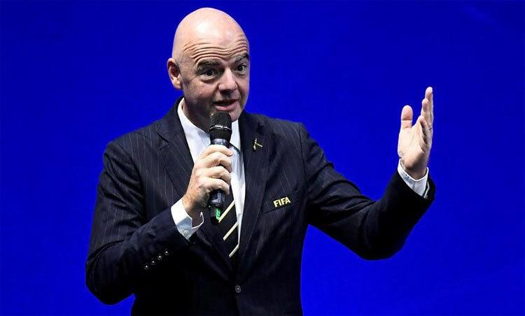 Chủ tịch FIFA, Gianni Infantino kêu gọi hành động để giải cứu bóng đá