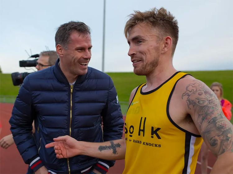 Cơ duyên với Carragher (trái) giúp Grant tìm thấy sự hứng thú và niềm đam mê chạy bộ. Ảnh: AG.