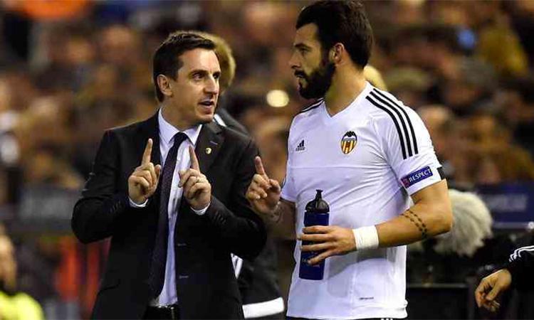 Neville thất bại vì không nghe lời Alex Ferguson - ảnh 4