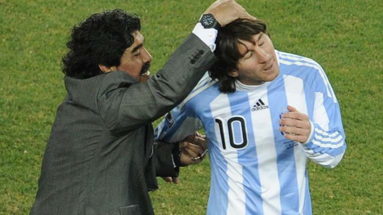 Maradona từng dẫn dắt Messi ở đội tuyển Argentina.