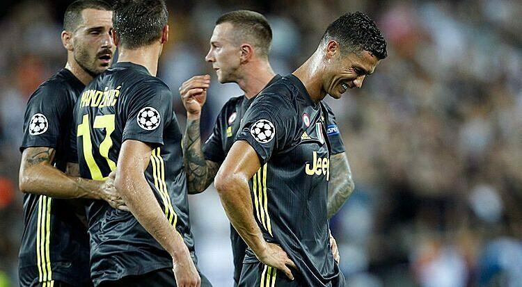 Ronaldo từng phải mua iMac cho cả đội - ảnh 1