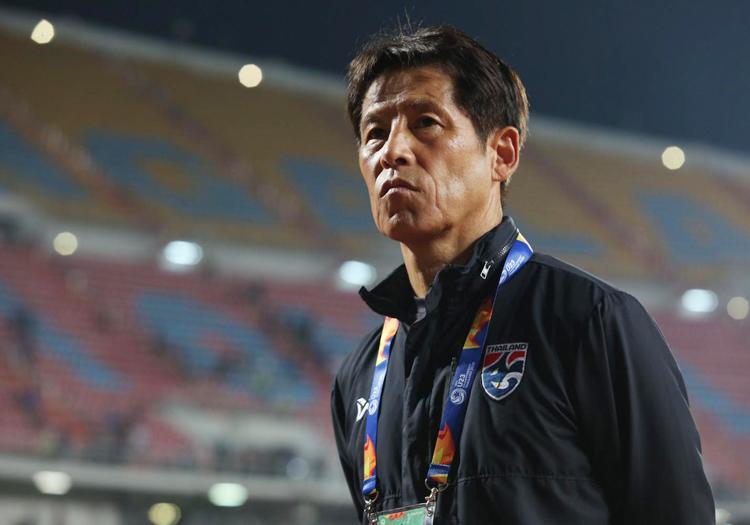 Thái Lan giảm lương HLV Nishino - ảnh 1