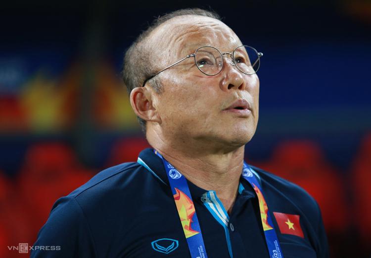 HLV Park Hang-seo phải chờ tới cuối năm mới dẫn dắt đội tuyển đá vòng loại World Cup và AFF Cup.