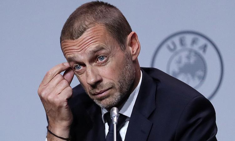 Chủ tịch UEFAAleksander Ceferin là một trong những người ủng hộ việc để mùa giải trở lại. Ảnh: Reuters.