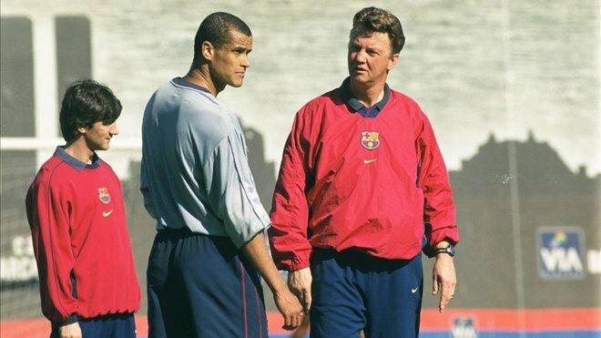 Rivaldo suýt bị Van Gaal tống khỏi Barca nếu ông không bị sa thải vào cuối mùa 1999-2000.