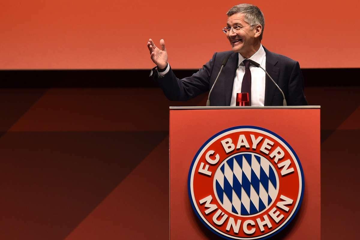 Hainer, vốn là cựu CEO của Adidas, giữ chức Chủ tịch Bayern Munich từ tháng 11/2019.