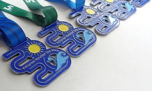 Huy chương giải chạy Quy Nhơn mang cảm hứng thành phố biển