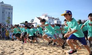 Runner nhí chinh phục đường chạy ven biển Quy Nhơn