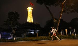 VnExpress Marathon Hanoi Midnight giảm 15% giá vé